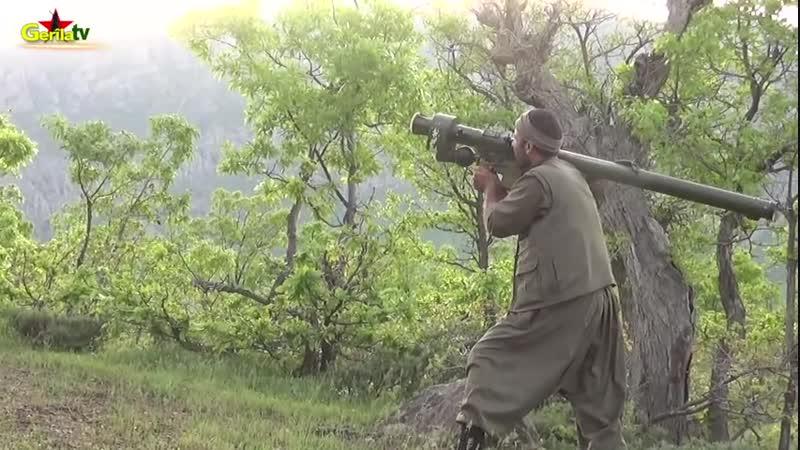 Боевики Рабочей партии Курдистана (РПК) сбивают турецкий ударный вертолет AH-1W «Cobra»