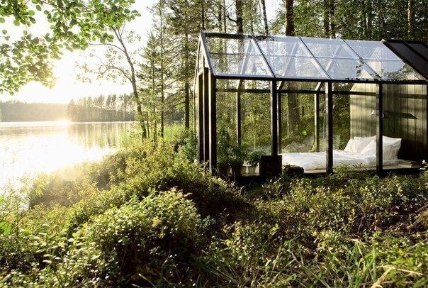 El dormitorio a la orilla del río