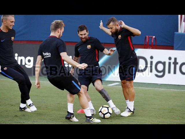 Lionel Messi at an open training session in the US/Лионель Месси на открытой тренировке в США