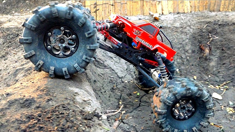 MASSIVE TIRES Toyota Body =s a MONSTER TRUCK! MOA in the Backyard Scale Park | RC ADVENTURES