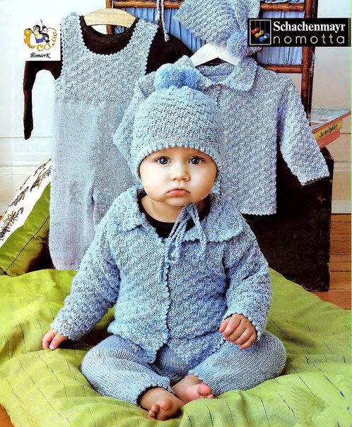 Вязаный комплект для новорожденного мальчика состоит из комбинезона, жакета с шахматным узором и шап… (3 фото)