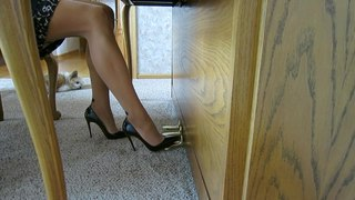 Piano Playing With Louboutin So Kate's