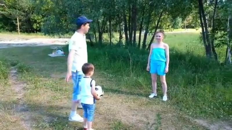 """Гузель Уразова on Instagram_ """"Безнең үзебезнең чемпионат_ кызлар VS малайлар ⚽ С"""