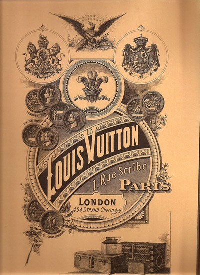 3c10f385c679 На фронтоне дома по сей день красуется надпись: «Луи Виттон, изготовление  чемоданов, парижский торговый дом, основанный в 1854 году».