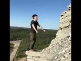 Якутянин Дикий Жорик совершил опасное сальто на вершине скалы