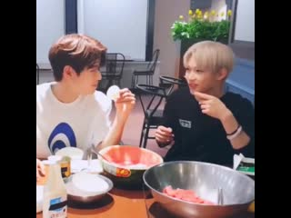 Please. this is why seungmin is the only man ever 💓💞💖