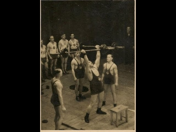 Парный швунг Гёрнера - 102 кг. 85th Anniversary of Hermann Goerners two-hand barbells push press