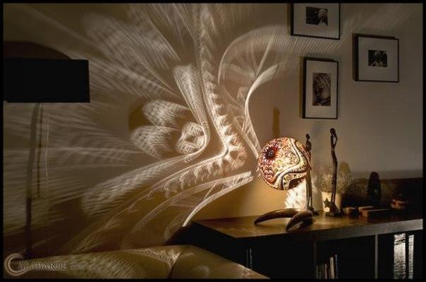 Лампа, рисующая на стенах потрясающие узоры #DIY_Идеи