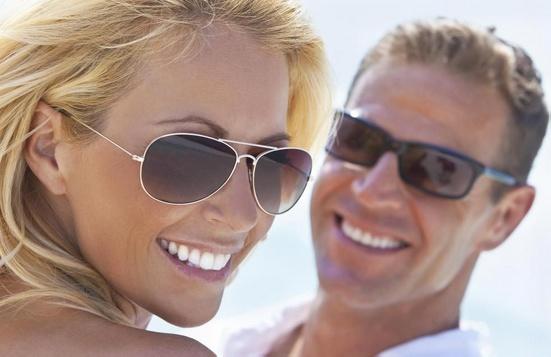 Солнцезащитные очки HEV отфильтровывают часть видимой синей / фиолетовой части спектра