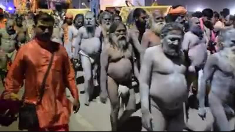 Суровые индийские мужики.