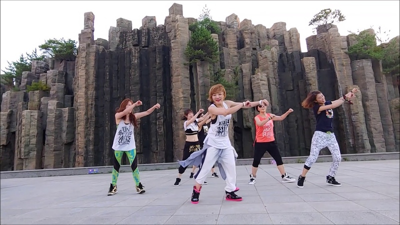 They don't care about us/Michael Jackson (salsa version) Zumba Korea TV