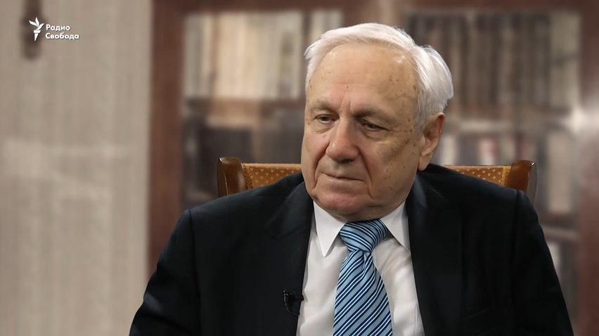 Демократ первого набора. Сергей Филатов