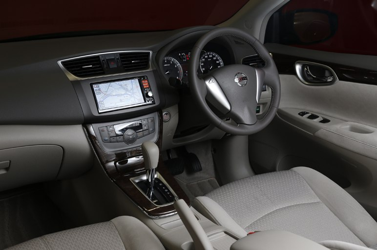 Nissan Bluebird 2013 interior