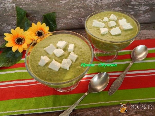 Гаспачо из огурцов Приятный летний холодный суп из свежих огурцов, авокадо и феты-замечательный вариант для обеда или легкого ужина.