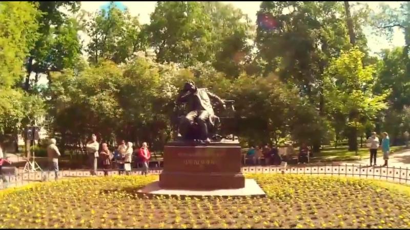 На фоне Пушкина фильм большой