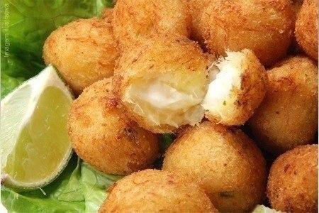 Закусочные сырные шарики Быстро, вкусно, а главное полезно! Ингредиенты: 4