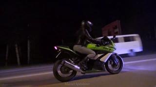 Kawasaki Ninja & Lada 2105 / night road
