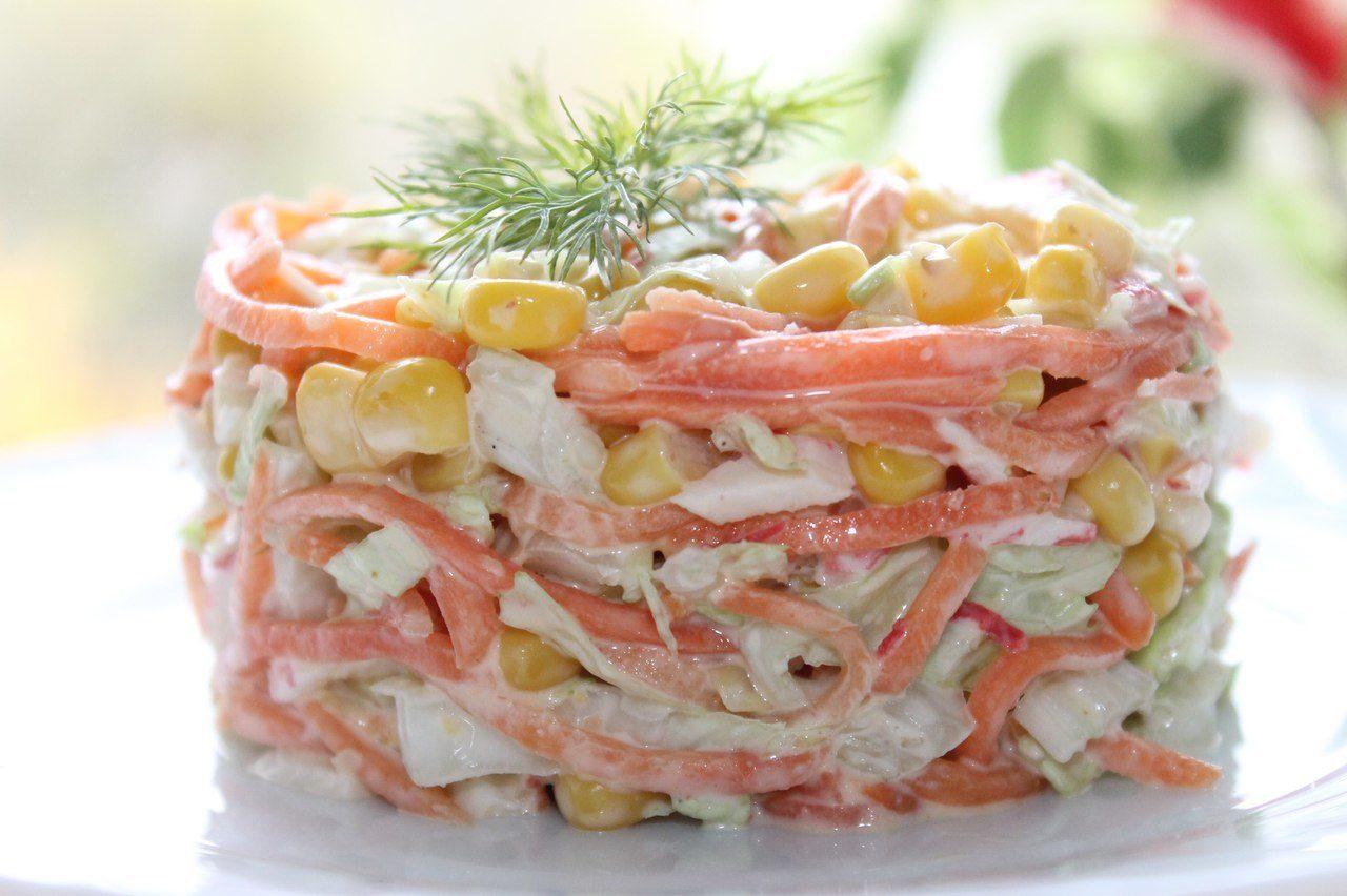 Салат с морковкой по корейски крабовые палочки кукурузой