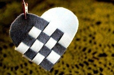 Плетеное сердце из фетра