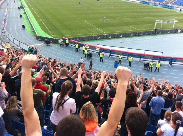 После матча Кучук подошел к сектору и поблагодарил болельщиков