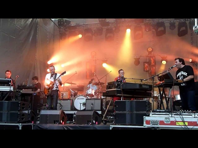 Hot Chip - How Do You Do? And I Was a Boy from School 1 June 2013 Ahmad Tea Music Fest HD