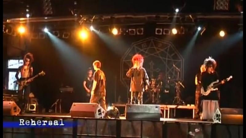 Moi Dix Mois (Europe Tour 2007 / Documentary 2/3)