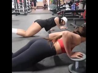 Тренируйся с подругой 🌰