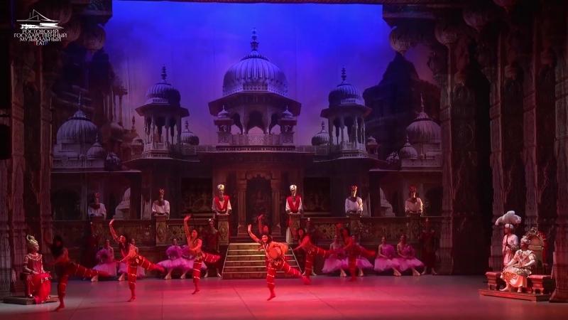 Фрагмент из балета Баядерка. Индусский танец