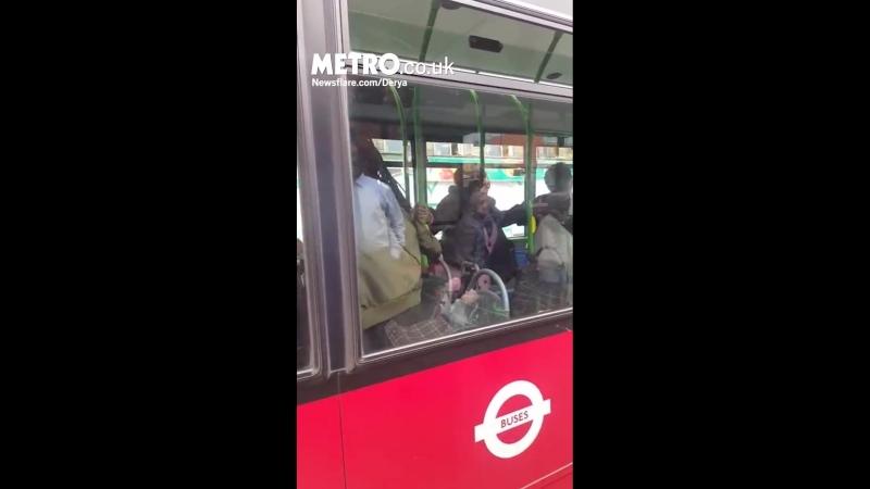 Этому автобусу нужен был кто-то, чтобы разрулить хипиш