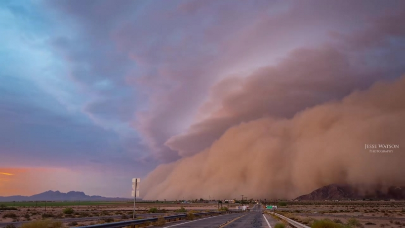 Monstrous_Haboob_Sweeps_Across_Southern_Arizona!_4K.mp4