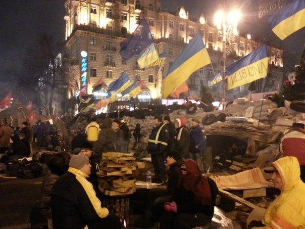 пятиметрові барикади в Києві