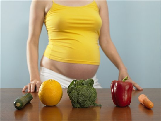Как сохранить нормальный вес во время беременности В мою первую беременность я была совершенной худышкой, потому что мне и в голову не приходило кушать за двоих, я с удовольствием работала, вела интересную жизнь. Но свои ненавистные 9 килограммов я набрала именно после родов, когда стала кормить грудью и для активной лактации пила много сладких чаев с печеньем, отказала себе в активной, насыщенной событиями жизни. Зато теперь, оглянувшись назад, я знаю некоторые секреты хорошей формы, которыми…