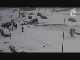 Первый снег и пара мелких ДТП
