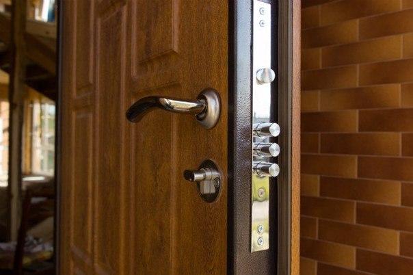 Уплотнение и звукоизоляция входной двери