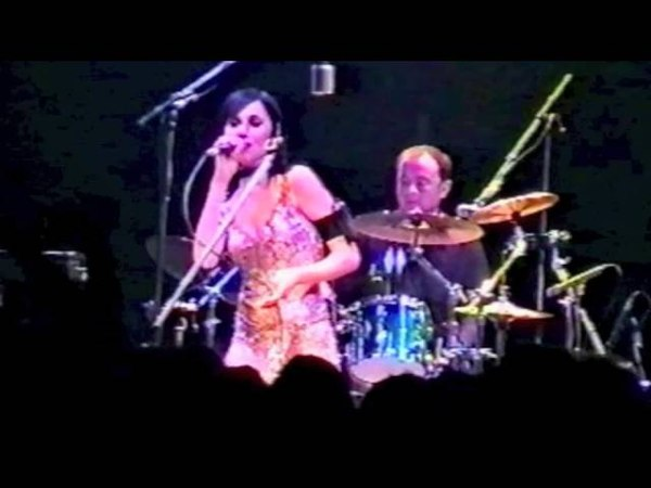 PJ Harvey Live From London Shepherd's Bush Empire 2001 Full Concert