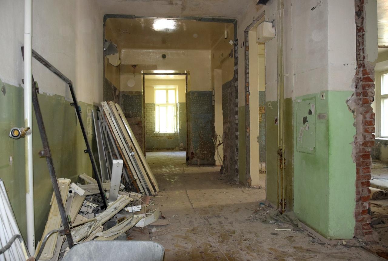Ремонт соматического отделения Вологодской областной больницы №2 завершится к ноябрю