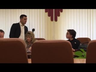 Саратов. Депутат Николай Бондаренко против министра Наталья Соколова о прожиточном минимуме.
