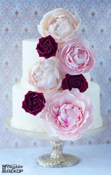 Декорируем торт пионами из мастики (9 фото)