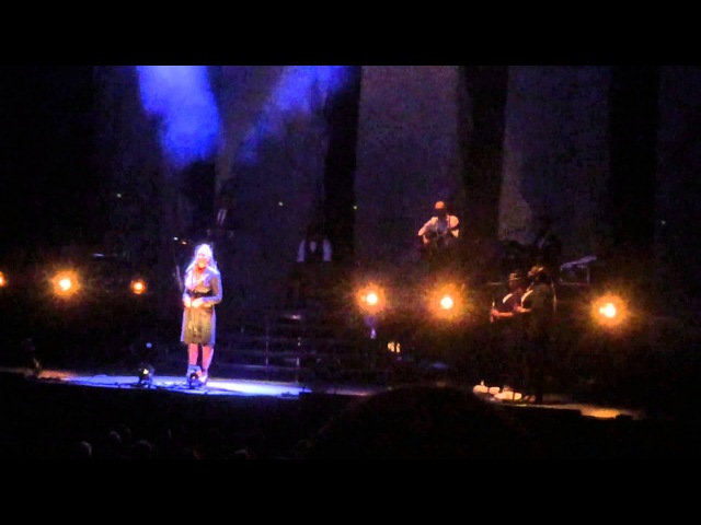 Leona Lewis Footprints In The Sand A Moment Like This I Am Tour 2016