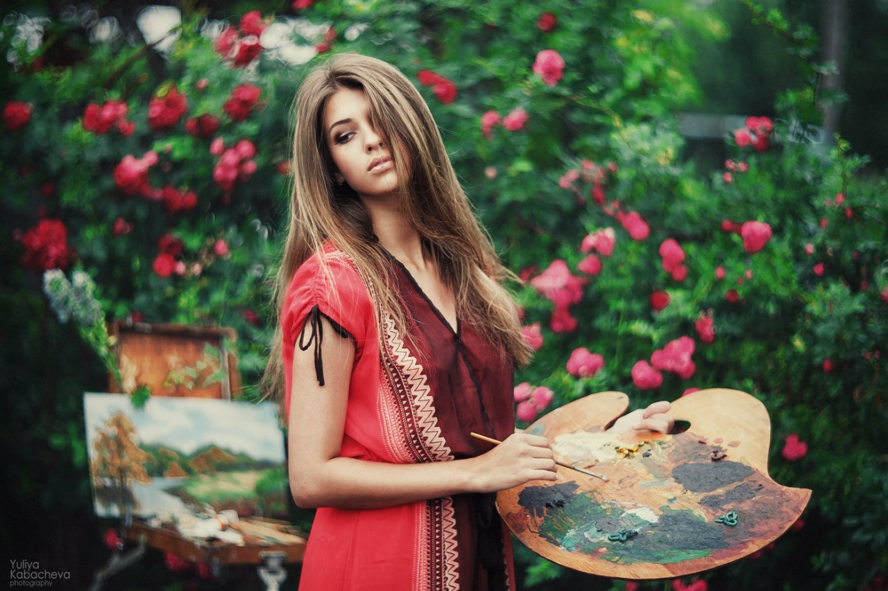 Фото девушки художницы 23 фотография