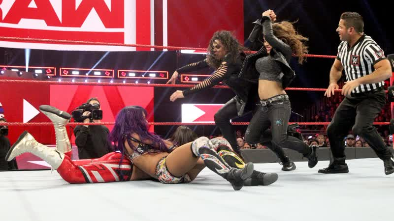SB_Group| Full match: Sasha Banks vs. Bayley - Winner Earns the Final Place on Team Raw: Raw, Nov. 12, 2018
