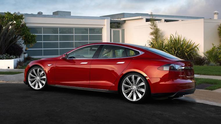 За Tesla в Финляндии будут возмещать расходы