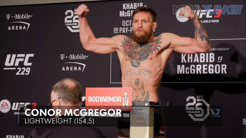 UFC229 Конор Макгрегор успешно уложился в лимит легкого веса