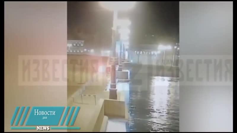 Камера сняла, как итальянец пытался перелететь разводной мост на авто в Петербурге