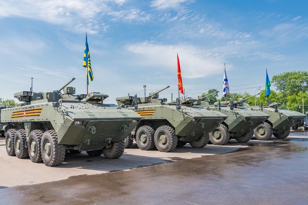 الدفاع الروسية تنشر صورا للعرض العسكري التجريبي الخاص باحتفالات عيد النصر Po2z8UlSGp8