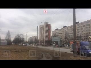 Очевидцы: В жилом доме на востоке Петербурга прогремел взрыв