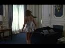 Проститутка, любовница Нджала, Дорис Фредриксен в Отеле. Профессионал / Le Professionnel (1981)