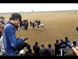 бугинги кокпардын акырын салды.машинага Бактыбай туркистандык