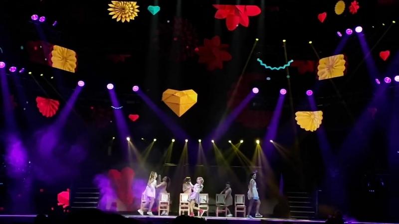 14. Borrar Tu Mirada - Soy Luna En Vivo (Luna Park)