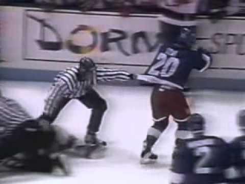 Hockeyfighters.cz Domi vs Stevens Oct 12, 1993.wmv